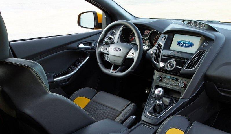 Ford Focus ST full